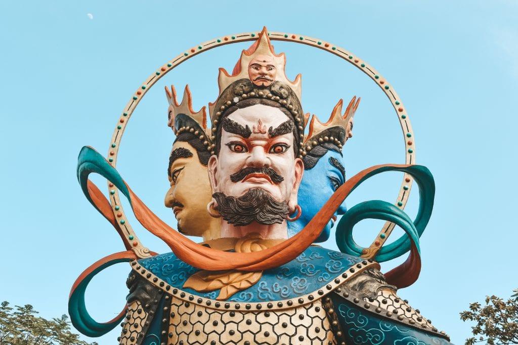 3 koppige boeddha.