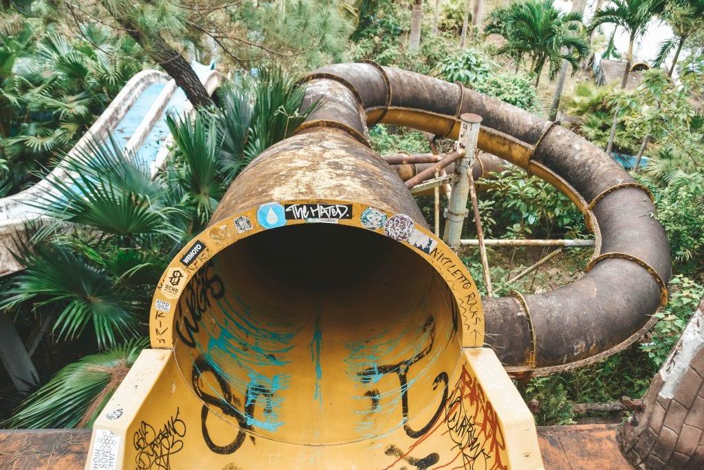 Ho Thuy Tien glijbanen.