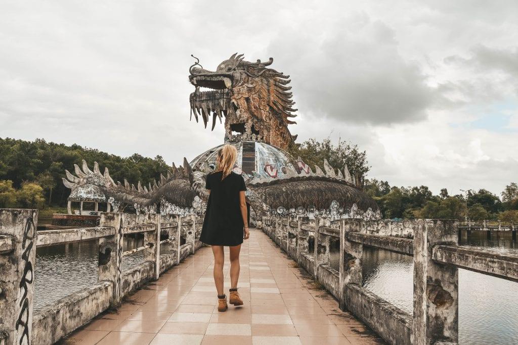 Het verlaten waterpark in Vietnam: Ho Thuy Tien.