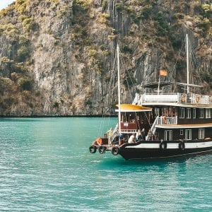Cruise door Halong Bay.