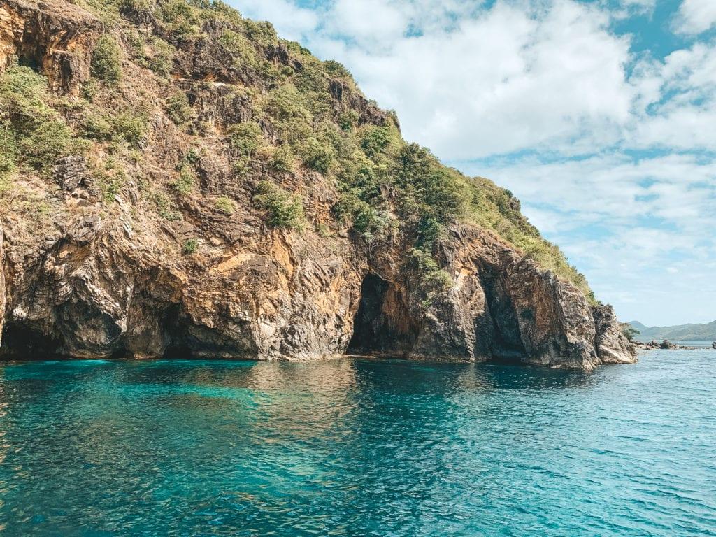 Cliffjumpen Filipijnen.